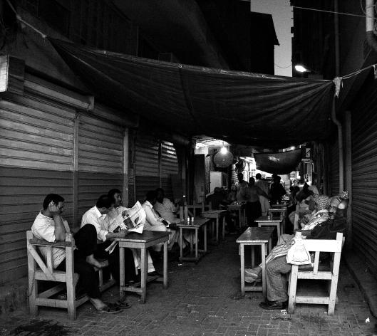 Street_cafe_in_Manama_souq,_Bahrain